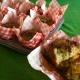 Muffin Solina e Jervicella con pesche e formaggio fresco spalmabile.